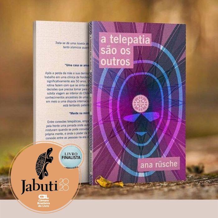 Livro A telepatia sao os outros em pé, com o selinho de finalista jabuti no canto esquerdo inferior